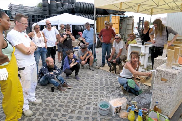 Hanf-Kalk-Symposium - Hier wird gezeigt, was man mit Kalk und Lehm alles so machen kann.